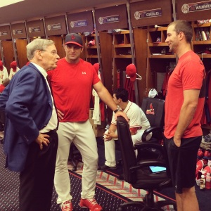 Commissioner Selig talks with Adam Wainwright & Mike Matheny in the Cardinals Clubhouse